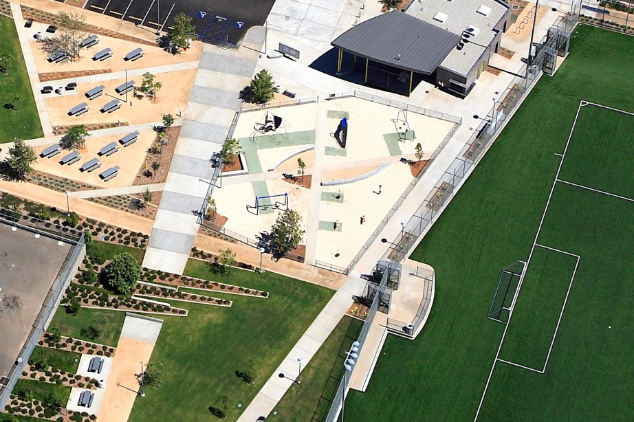 Located next to the Santa Monica Municipal Airport, the Santa Monica Airport Park includes two soccer fields, an off-leash dog park, concession facilities, playground, passive open space, picnic areas, and permeable pavement parking.