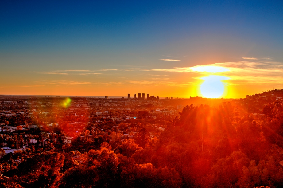 A Los Angeles sunset, captured by Jacob Avanzato (Creative Commons)