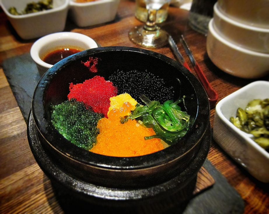 Korean Fish Roe Rice Bowl (Al Bap/알 밥) in Koreatown. Photo: Gregory Han