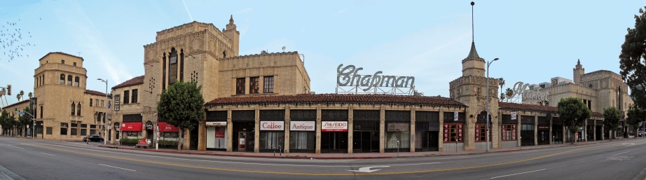 Chapman Park Market Building — 3451 W. 6th Street, Mid-Wilshire district, Los Angeles, California. Los Angeles Historic-Cultural Monument #386. Creative Commons photo by Downtowngal.