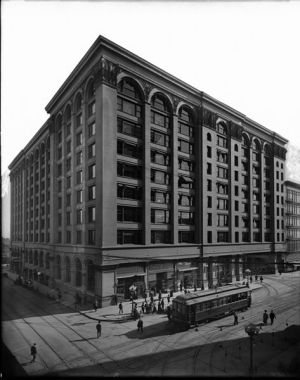 The Pacific Electric Building in Downtown Los Angeles, circa 1909. Photo courtesy Wikimedia Commons.