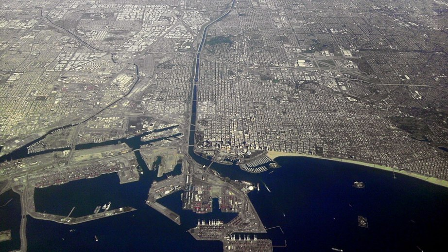 long_beach_california_from_airplane_looking_north